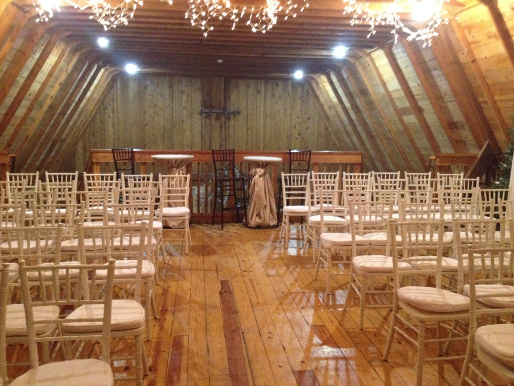 Majors Barn Loft, showing with seating